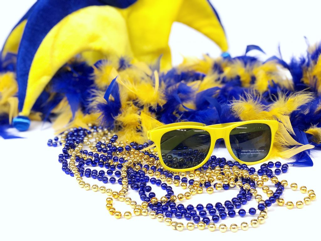 University of Delaware Blue and Yellow Photo Booth Prop Kit