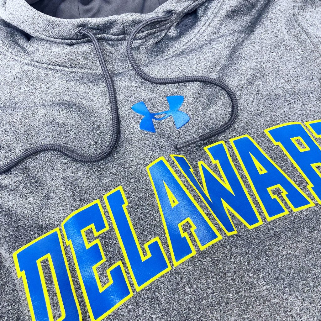 University of Delaware Under Armour Performance Fleece Arched Delaware Hoodie - Carbon